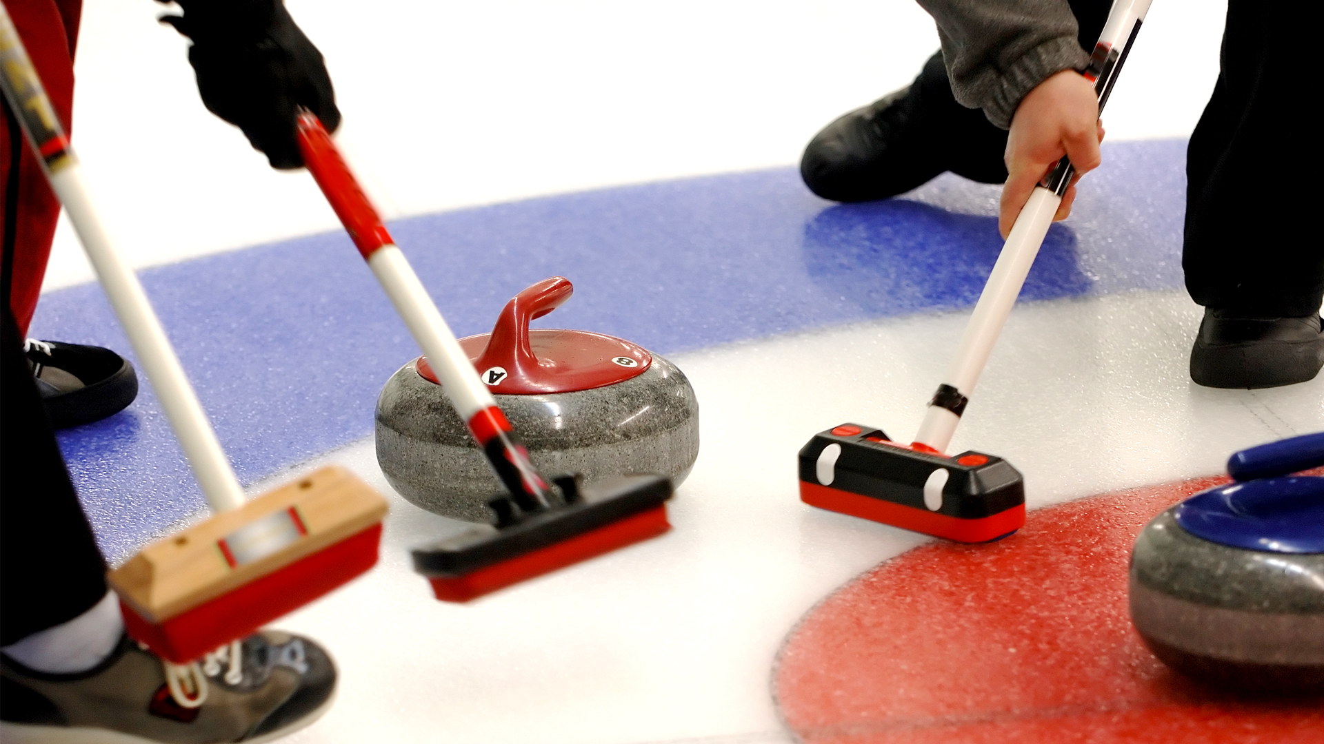 Curling imagery