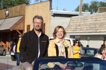 President Marysz Rames and her husband Steve led the Homecoming parade.