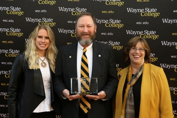 Kam Reeves '79 received the 2017 Alumni Service Award.